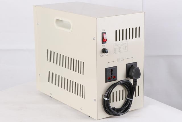 JJW-3000VA精密净化交流稳压电源(智能净化稳压器)背面图