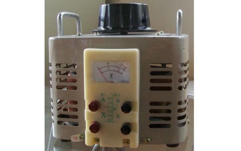 单相调压器